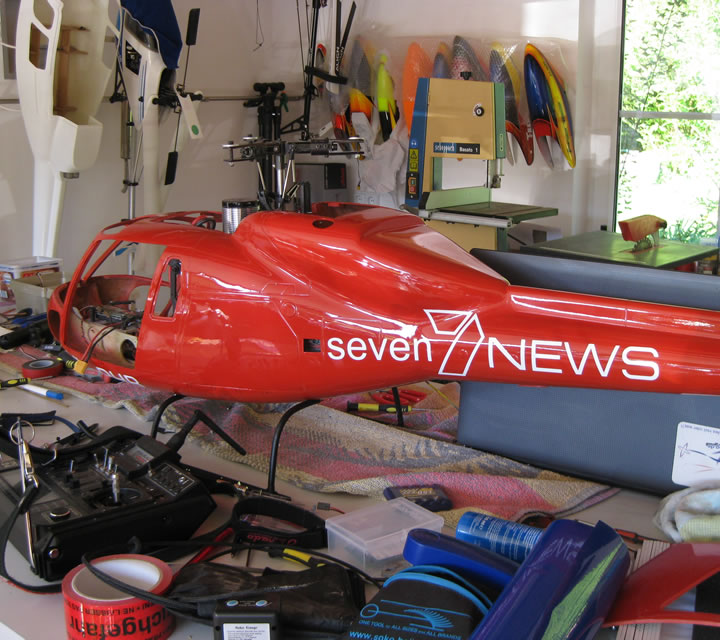seven news Applikationen auf AS355 Modell Helikopter, Heli-Planet